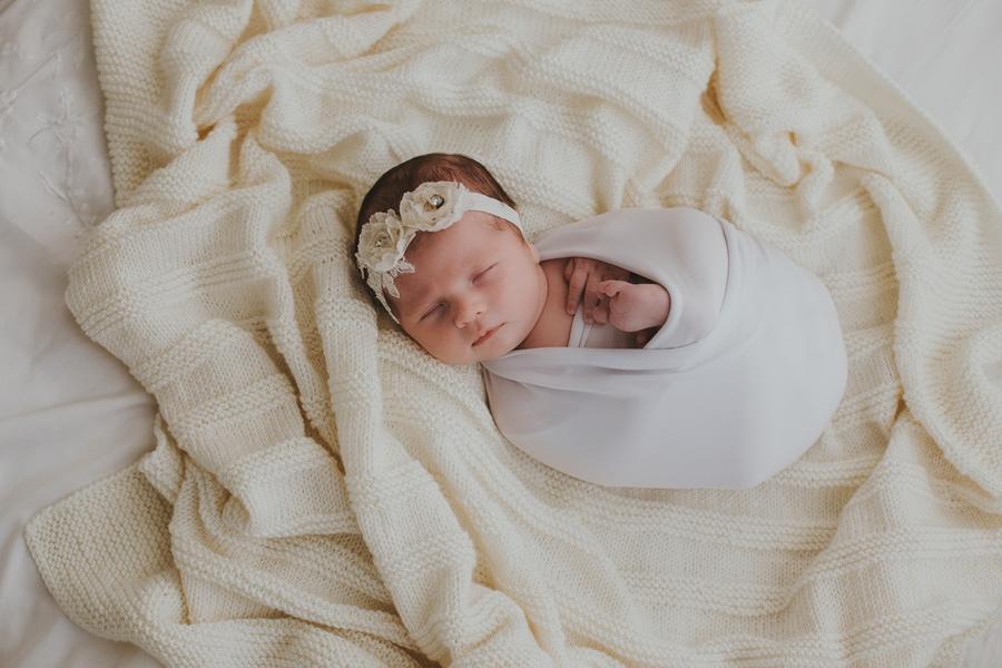newborn baby girl wraos