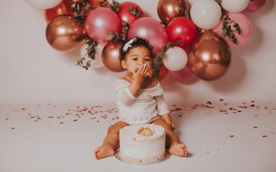 Hannah Pink and Gold Cake Smash | Cape Town Photographer
